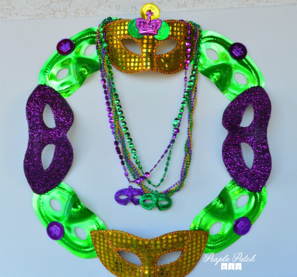 Mardi Gras Mask Wreath The Diy Mama Blog